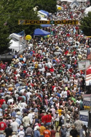cornbread festival crowd